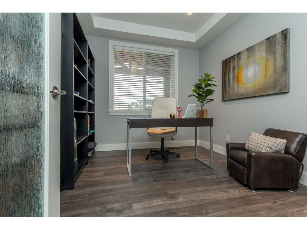 """Photo 9: Photos: 35942 EMILY CARR Crescent in Abbotsford: Abbotsford East House for sale in """"AUGUSTON"""" : MLS®# R2170445"""
