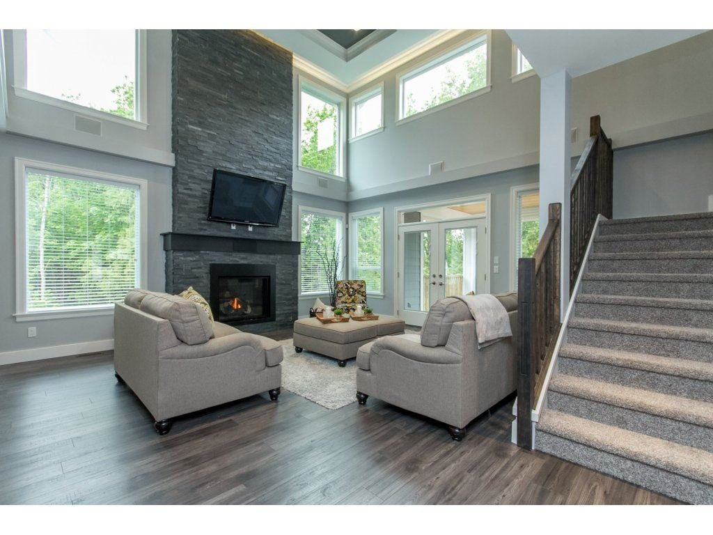 """Photo 3: Photos: 35942 EMILY CARR Crescent in Abbotsford: Abbotsford East House for sale in """"AUGUSTON"""" : MLS®# R2170445"""