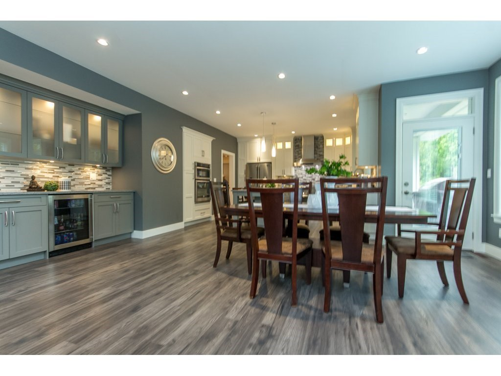 """Photo 8: Photos: 35942 EMILY CARR Crescent in Abbotsford: Abbotsford East House for sale in """"AUGUSTON"""" : MLS®# R2170445"""