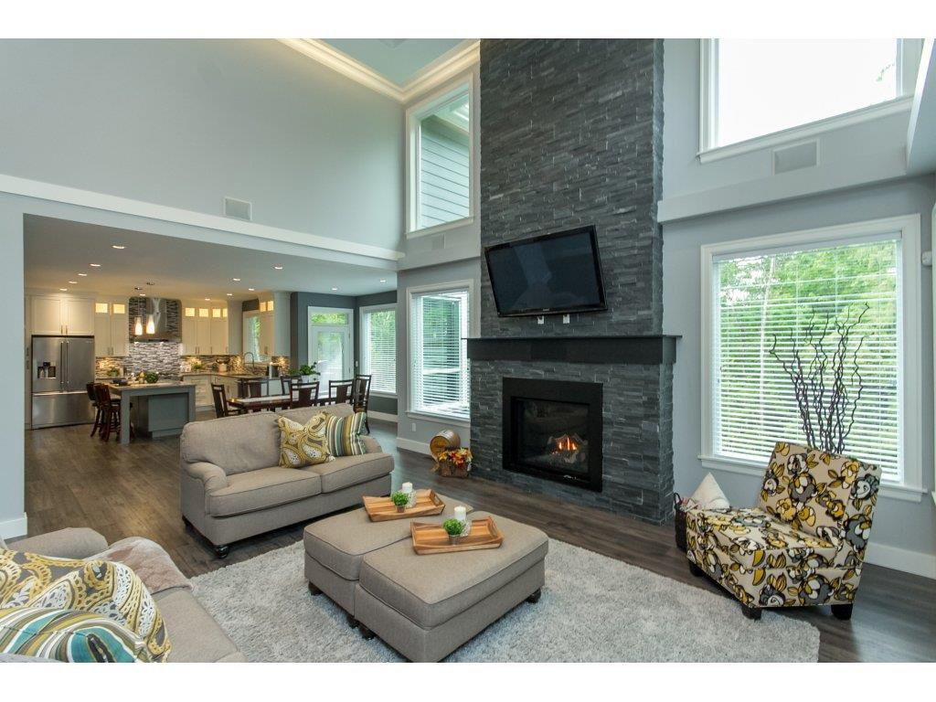 """Photo 2: Photos: 35942 EMILY CARR Crescent in Abbotsford: Abbotsford East House for sale in """"AUGUSTON"""" : MLS®# R2170445"""