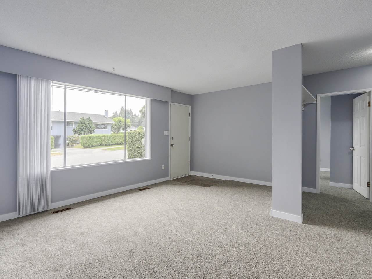 """Photo 5: Photos: 1673 GREENMOUNT Avenue in Port Coquitlam: Oxford Heights 1/2 Duplex for sale in """"OXFORD HEIGHTS"""" : MLS®# R2221936"""