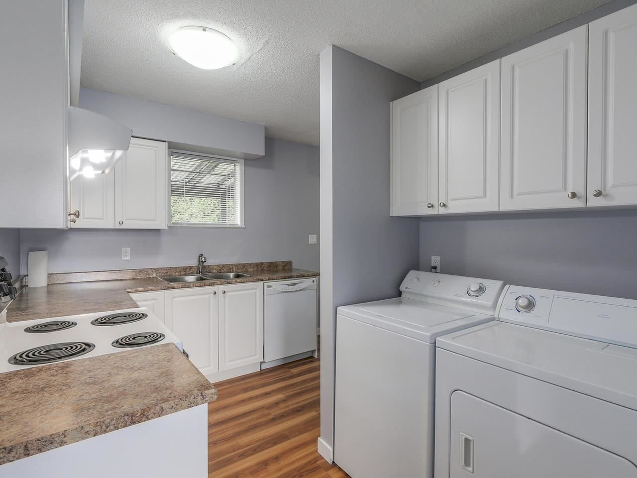 """Photo 10: Photos: 1673 GREENMOUNT Avenue in Port Coquitlam: Oxford Heights 1/2 Duplex for sale in """"OXFORD HEIGHTS"""" : MLS®# R2221936"""