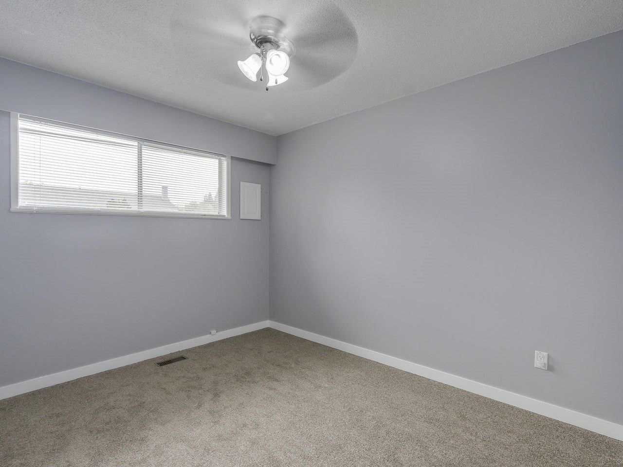 """Photo 13: Photos: 1673 GREENMOUNT Avenue in Port Coquitlam: Oxford Heights 1/2 Duplex for sale in """"OXFORD HEIGHTS"""" : MLS®# R2221936"""