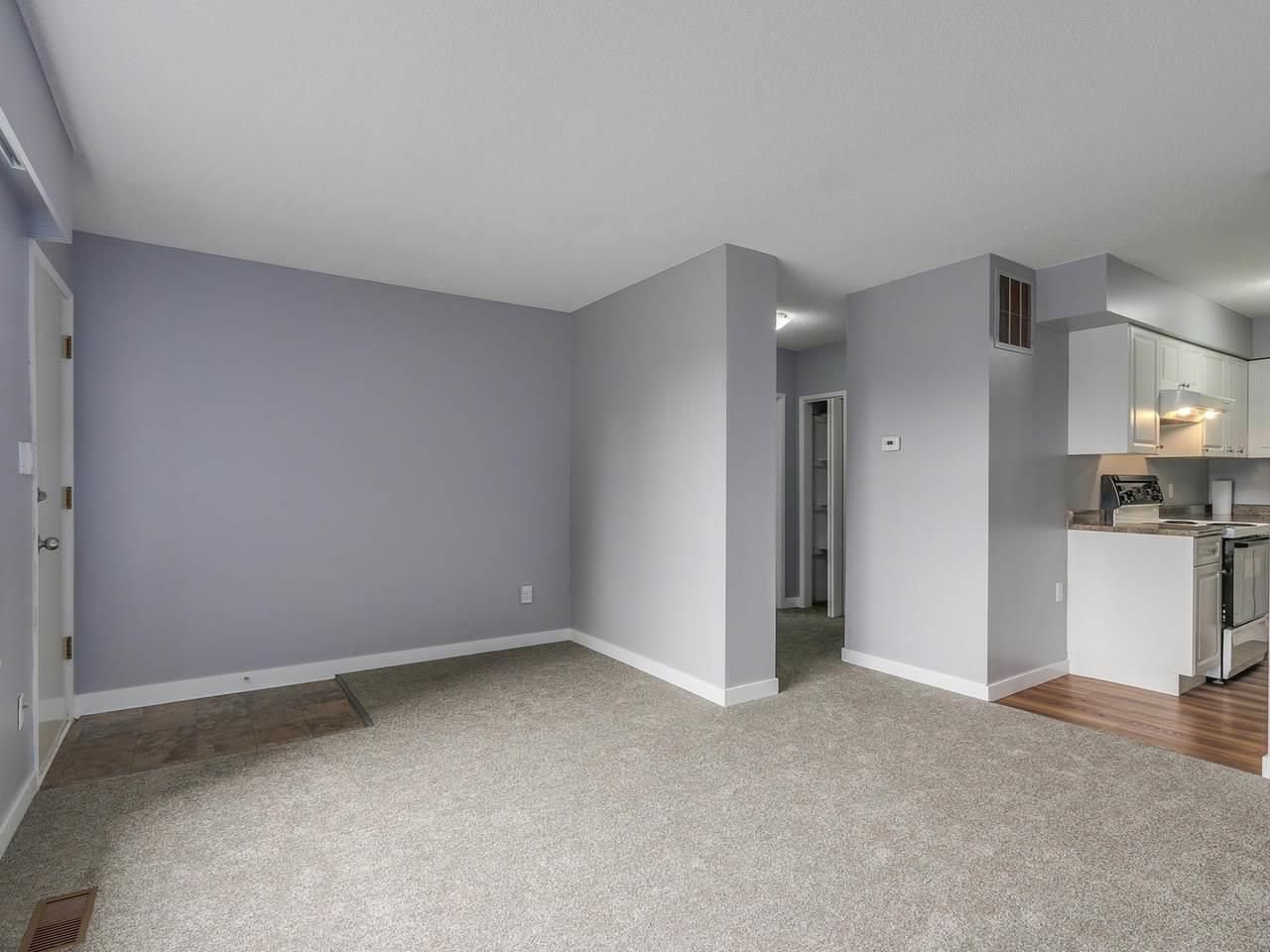 """Photo 6: Photos: 1673 GREENMOUNT Avenue in Port Coquitlam: Oxford Heights 1/2 Duplex for sale in """"OXFORD HEIGHTS"""" : MLS®# R2221936"""