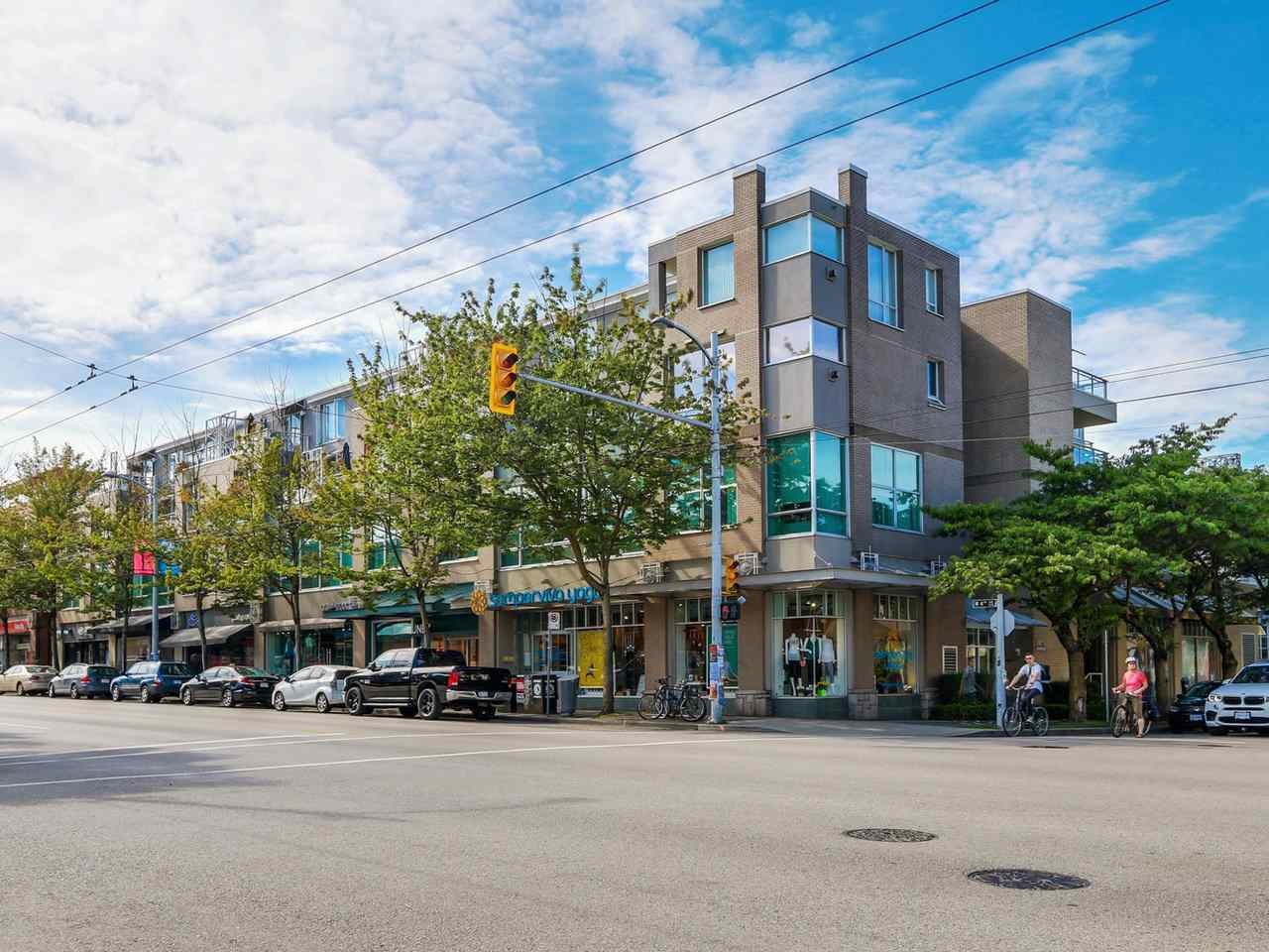Main Photo: 208 1979 YEW STREET in : Kitsilano Condo for sale : MLS®# R2090412