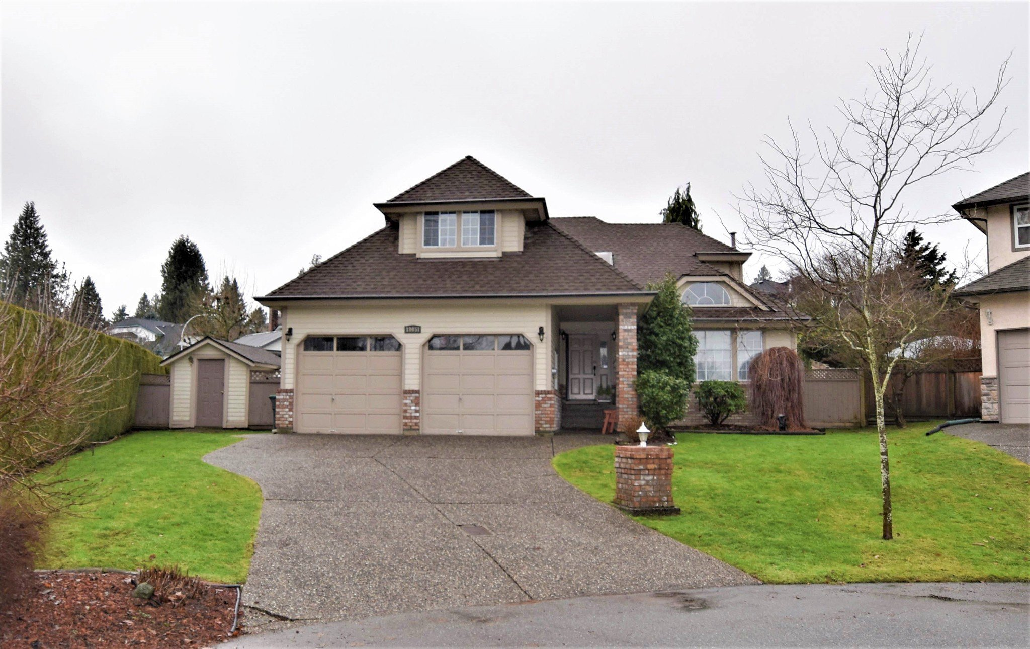 Main Photo: 19051 59 Avenue in Surrey: Cloverdale BC House for sale (Cloverdale)  : MLS®# R2230681