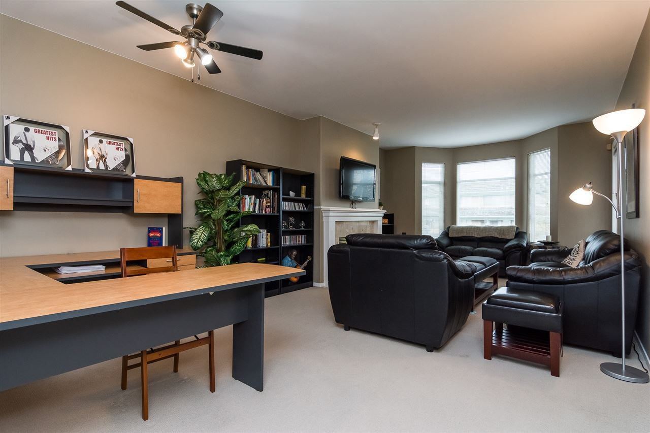 """Photo 7: Photos: 215 20680 56 Avenue in Langley: Langley City Condo for sale in """"Cassola Court"""" : MLS®# R2232966"""