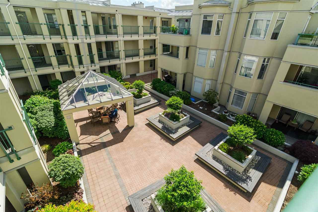 """Photo 20: Photos: 215 20680 56 Avenue in Langley: Langley City Condo for sale in """"Cassola Court"""" : MLS®# R2232966"""