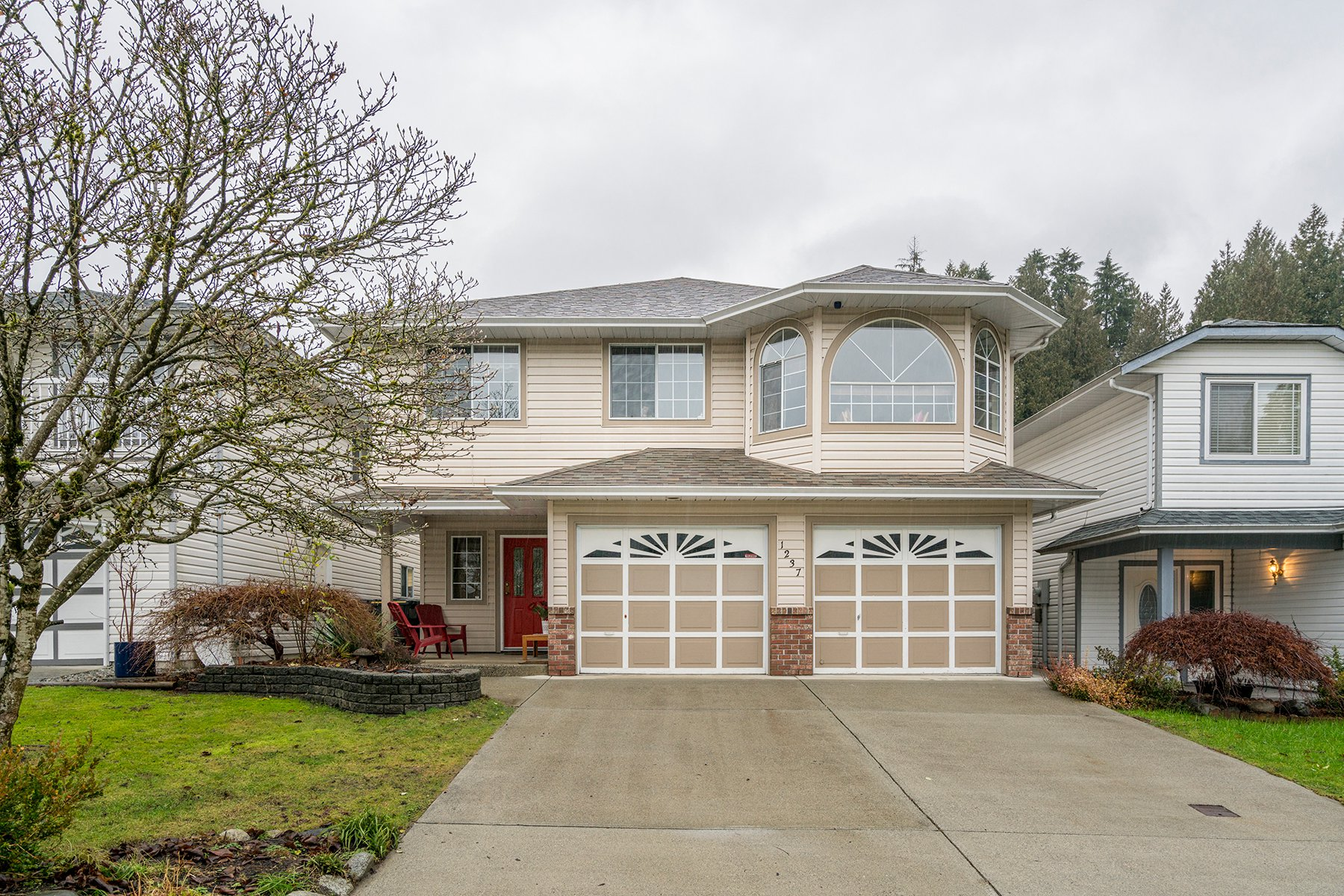 Main Photo: 1237 WINDSOR Avenue in Port Coquitlam: Oxford Heights House for sale : MLS®# R2233661