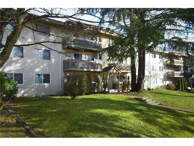 "Main Photo: 63 5922 HASTINGS Street in Burnaby: Capitol Hill BN Condo for sale in ""Kensington Gardens"" (Burnaby North)  : MLS®# R2234683"