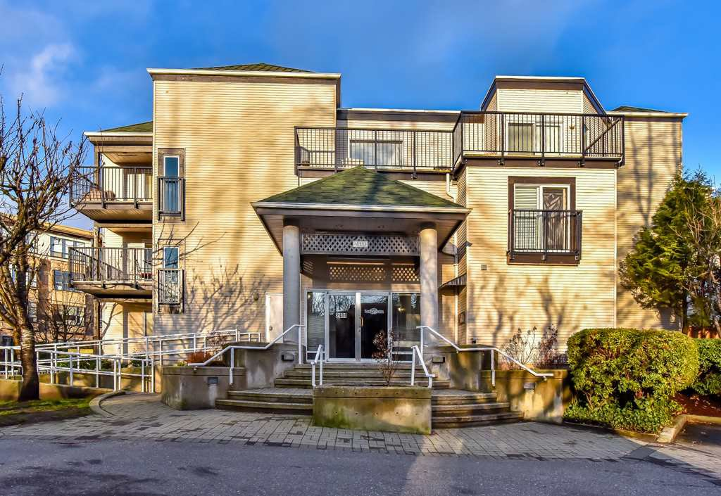 "Main Photo: 104 2401 HAWTHORNE Avenue in Port Coquitlam: Central Pt Coquitlam Condo for sale in ""STONEBROOK"" : MLS®# R2239669"