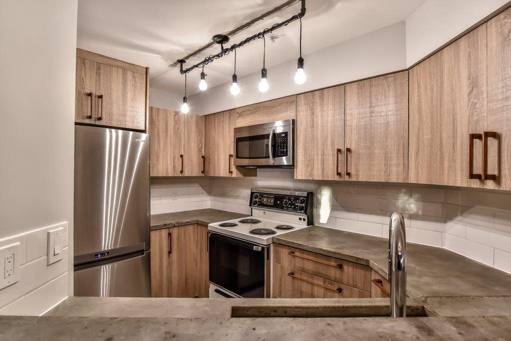 "Photo 4: Photos: 104 2401 HAWTHORNE Avenue in Port Coquitlam: Central Pt Coquitlam Condo for sale in ""STONEBROOK"" : MLS®# R2239669"