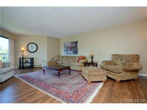 Main Photo: 325 1870 McKenzie Avenue in VICTORIA: SE Lambrick Park Residential for sale (Saanich East)  : MLS®# 340454