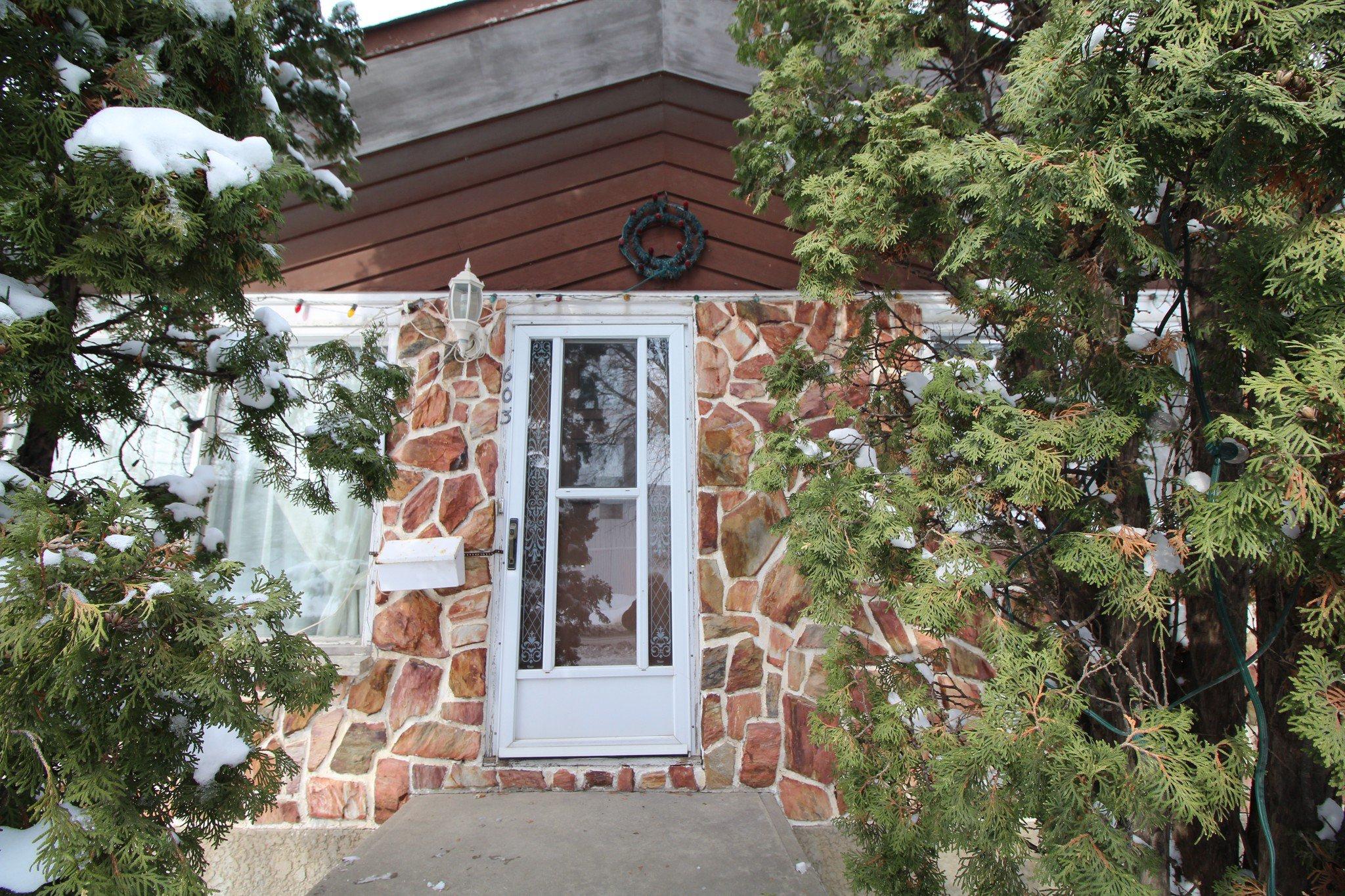 Main Photo: 603 Pandora Avenue West - Transcona Home For Sale