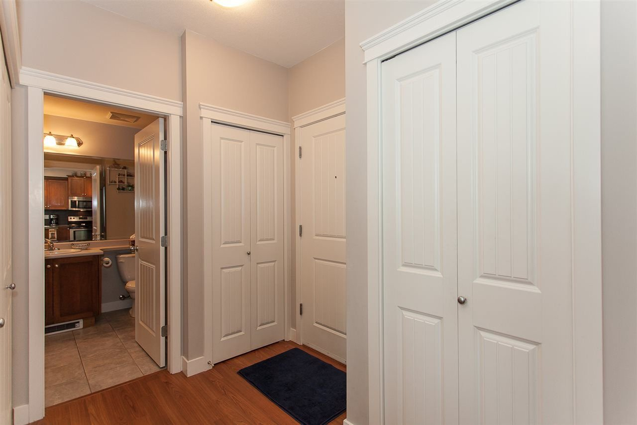 "Photo 3: Photos: 207 17712 57A Avenue in Surrey: Cloverdale BC Condo for sale in ""West On The Village Walk"" (Cloverdale)  : MLS®# R2260397"