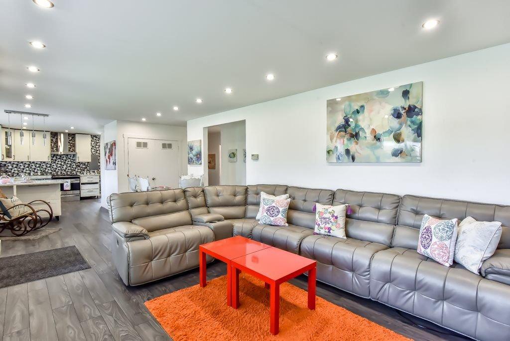 Photo 5: Photos: 11917 GLENHURST Street in Maple Ridge: Cottonwood MR House for sale : MLS®# R2269408