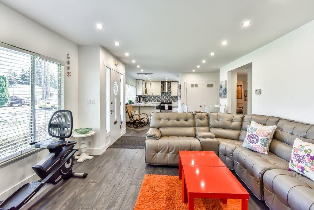 Photo 6: Photos: 11917 GLENHURST Street in Maple Ridge: Cottonwood MR House for sale : MLS®# R2269408