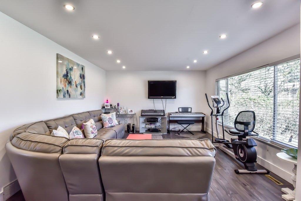 Photo 3: Photos: 11917 GLENHURST Street in Maple Ridge: Cottonwood MR House for sale : MLS®# R2269408