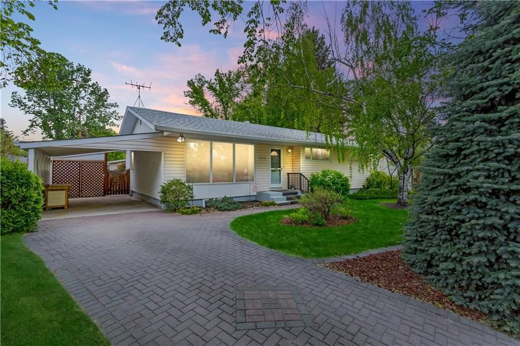 Main Photo: 6312 LYNCH Crescent SW in Calgary: Lakeview House for sale : MLS®# C4187228