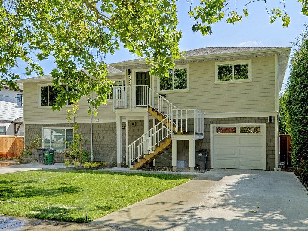 Main Photo: 4345 Shelbourne St in VICTORIA: SE Gordon Head House for sale (Saanich East)  : MLS®# 799553