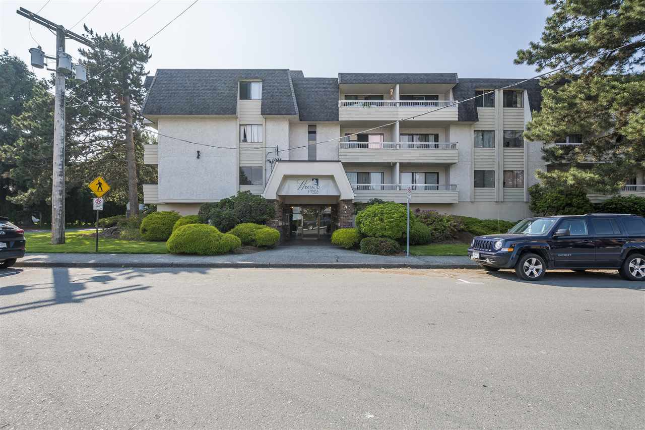 """Main Photo: 109 9477 COOK Street in Chilliwack: Chilliwack N Yale-Well Condo for sale in """"Windsor Pines"""" : MLS®# R2375825"""