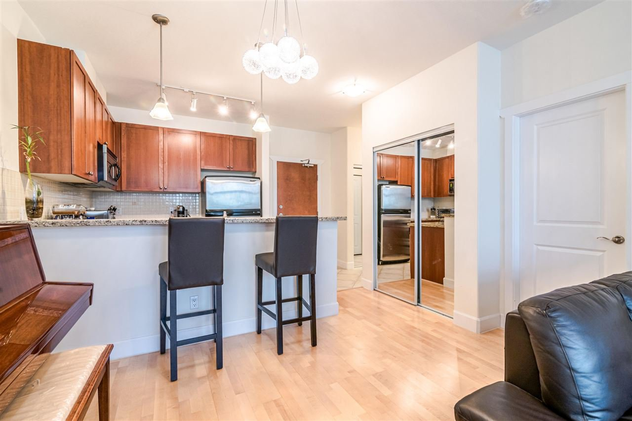 "Photo 5: Photos: 217 4280 MONCTON Street in Richmond: Steveston South Condo for sale in ""THE VILLAGE AT IMPERIAL LANDING"" : MLS®# R2387025"