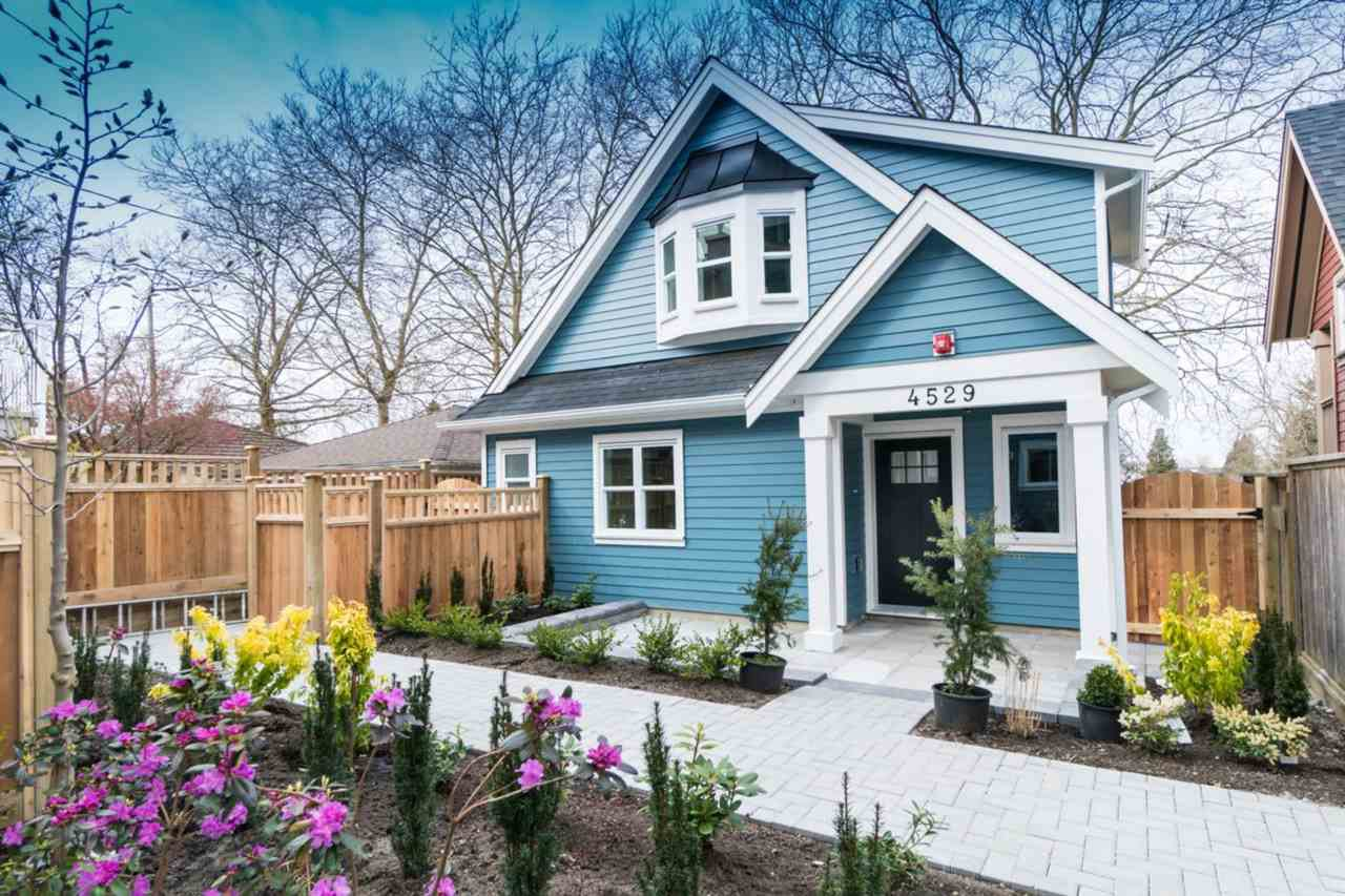 Main Photo: 4529 NANAIMO STREET in Vancouver: Victoria VE 1/2 Duplex for sale (Vancouver East)  : MLS®# R2251106