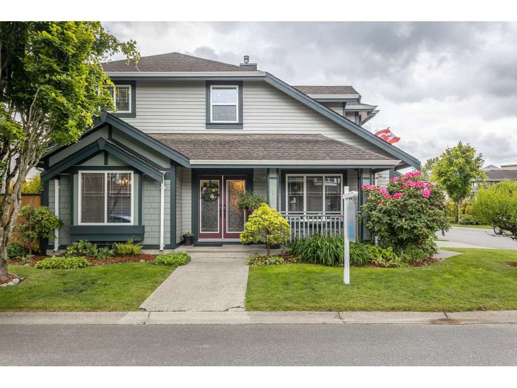 "Main Photo: 20236 94B Avenue in Langley: Walnut Grove House for sale in ""Riverwynde - Central Walnut Grove"" : MLS®# R2457845"