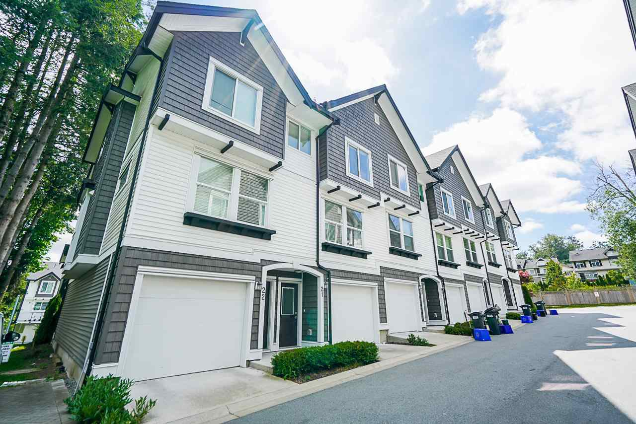 "Main Photo: 21 6089 144 Street in Surrey: Sullivan Station Townhouse for sale in ""Blackberry Walk"" : MLS®# R2466725"