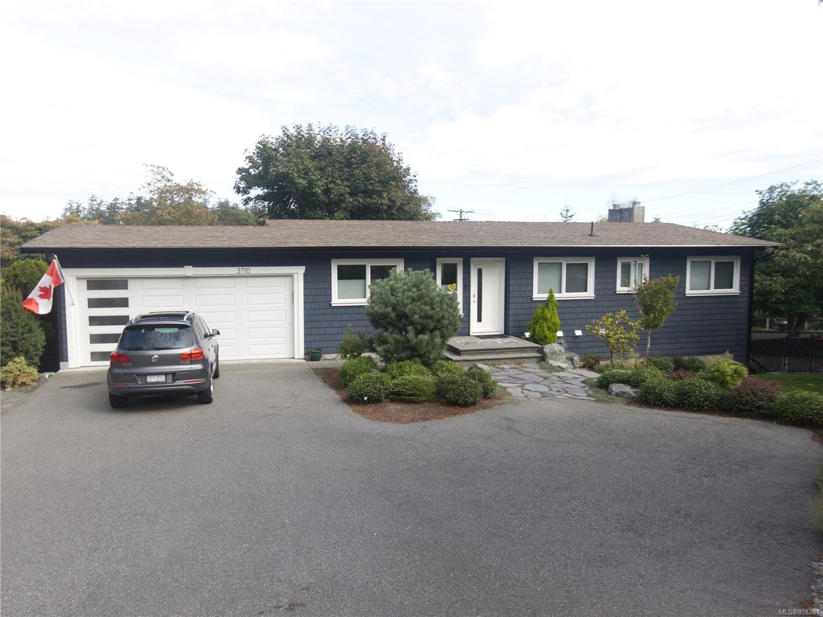 Main Photo: 3710 Hammond Bay Rd in : Na Hammond Bay House for sale (Nanaimo)  : MLS®# 858381