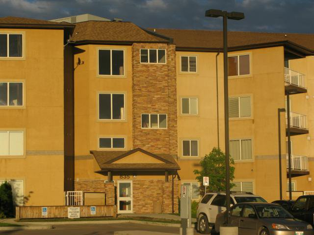 Main Photo: 103-835 Adsum Drive in WINNIPEG: Maples / Tyndall Park Condominium for sale (North West Winnipeg)  : MLS®# 1312299