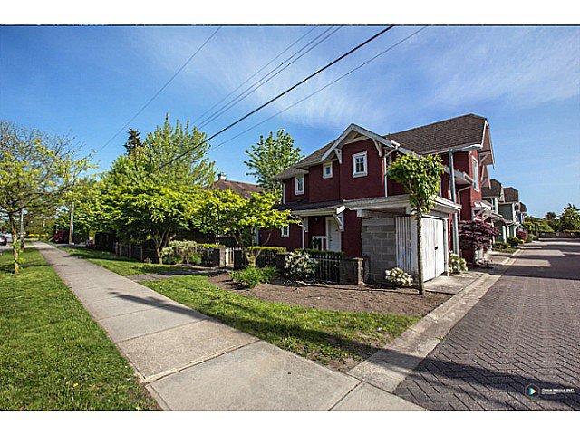 "Main Photo: 21 9020 DIXON Avenue in Richmond: Garden City Townhouse for sale in ""DIXON GARDEN"" : MLS®# V1065754"