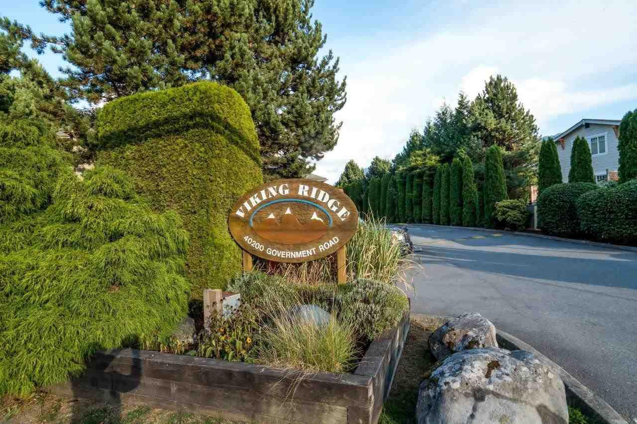 "Main Photo: 69 40200 GOVERNMENT Road in Squamish: Garibaldi Estates Townhouse for sale in ""VIKING"" : MLS®# R2202923"