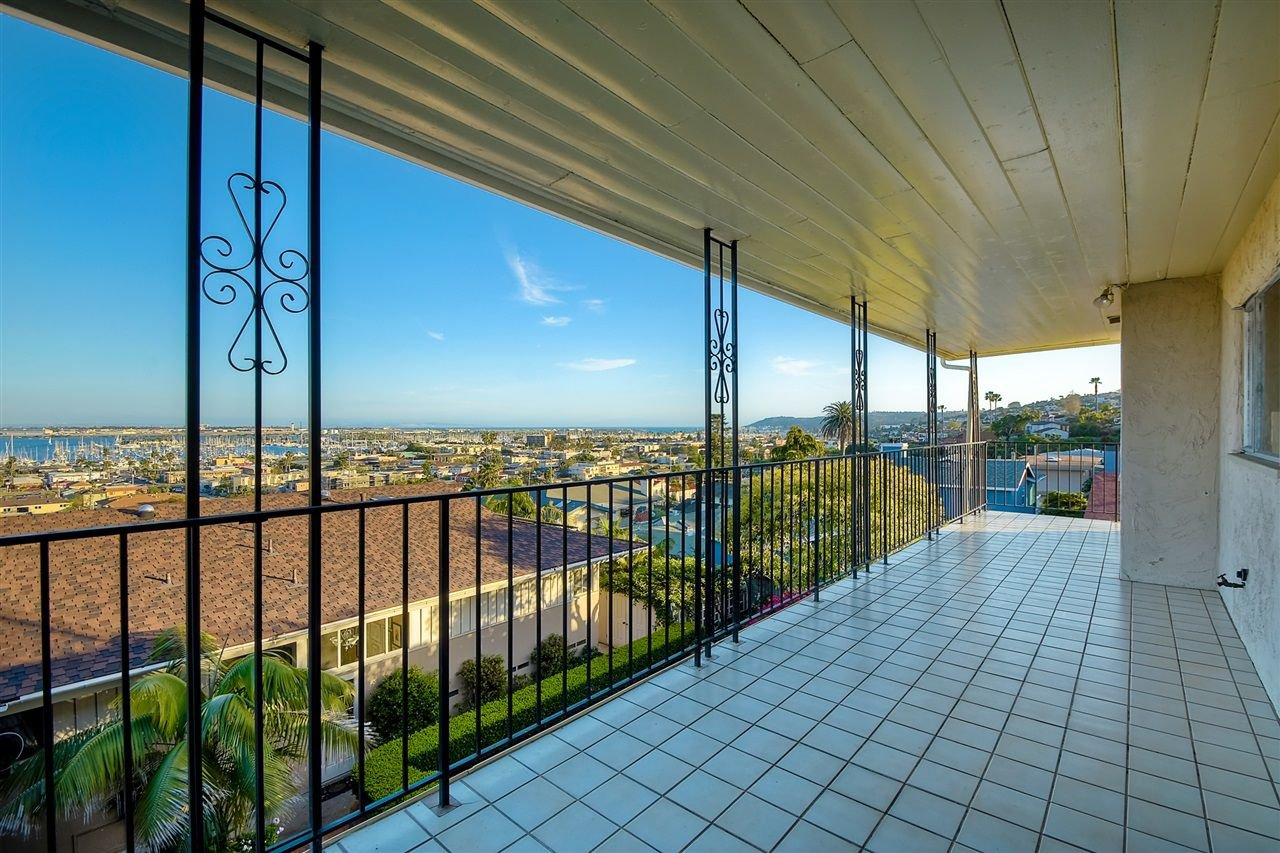 Photo 7: Photos: POINT LOMA House for sale : 4 bedrooms : 3335 Hugo St in San Diego