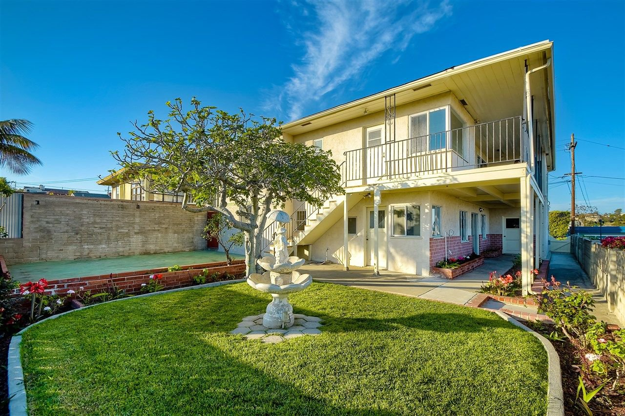 Photo 12: Photos: POINT LOMA House for sale : 4 bedrooms : 3335 Hugo St in San Diego
