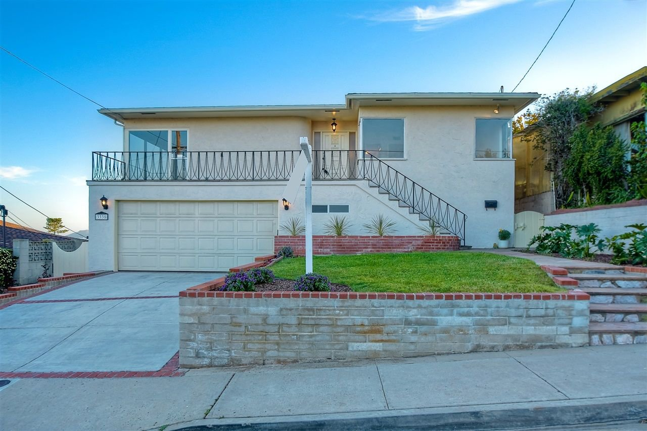 Photo 2: Photos: POINT LOMA House for sale : 4 bedrooms : 3335 Hugo St in San Diego