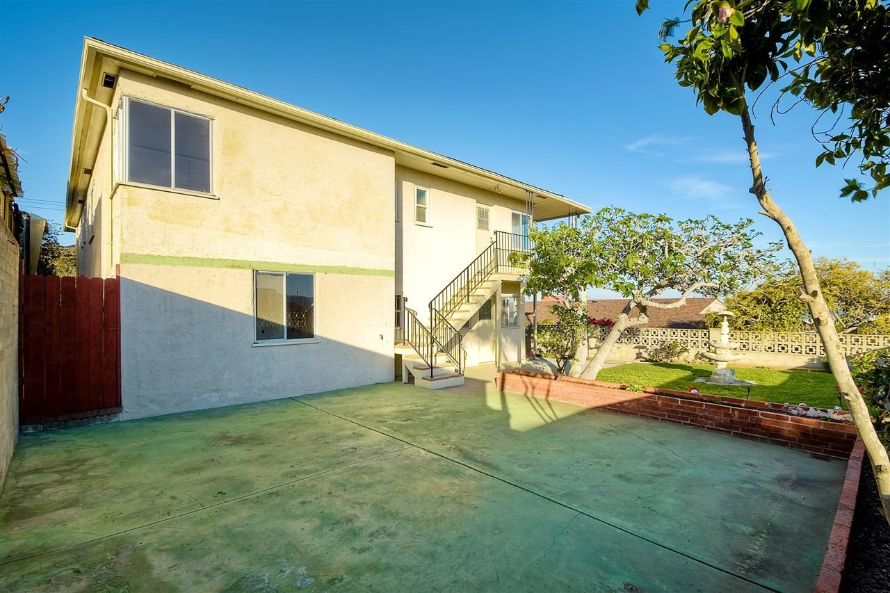 Photo 11: Photos: POINT LOMA House for sale : 4 bedrooms : 3335 Hugo St in San Diego