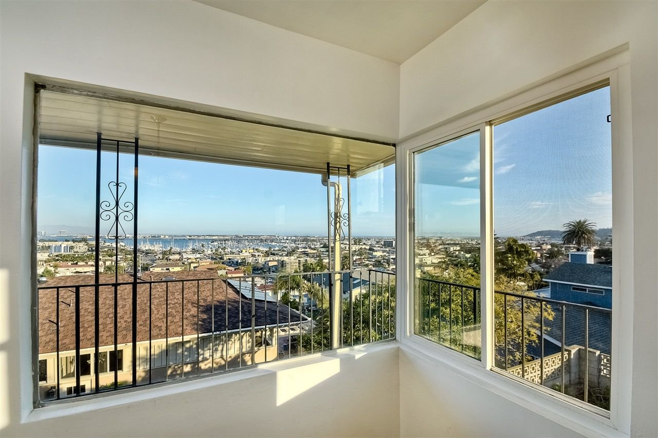Photo 10: Photos: POINT LOMA House for sale : 4 bedrooms : 3335 Hugo St in San Diego