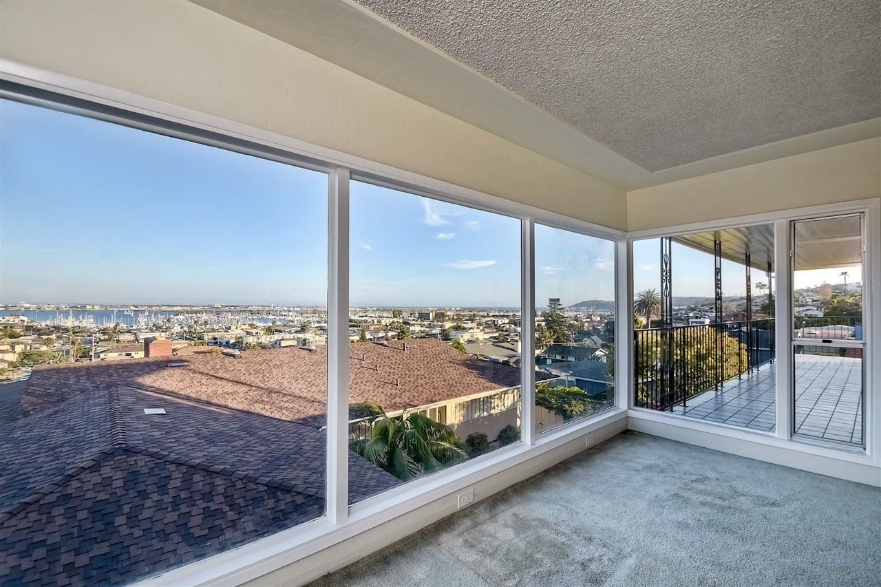 Photo 6: Photos: POINT LOMA House for sale : 4 bedrooms : 3335 Hugo St in San Diego