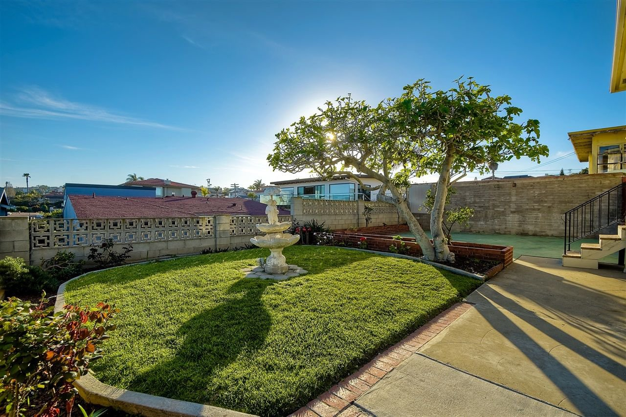 Photo 13: Photos: POINT LOMA House for sale : 4 bedrooms : 3335 Hugo St in San Diego