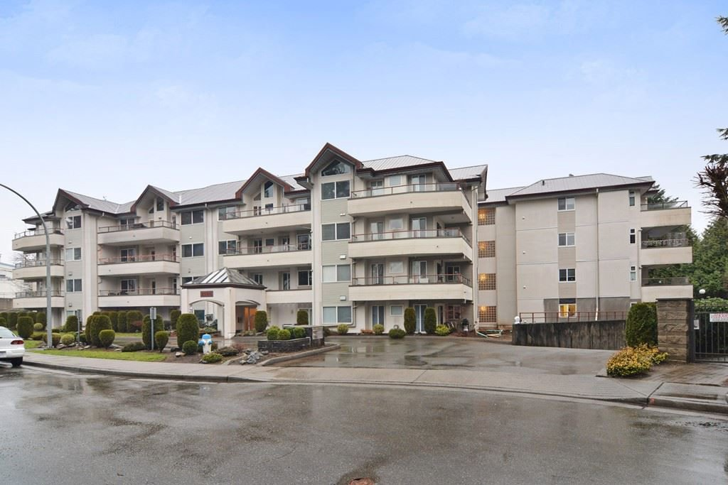 Main Photo: 406 2526 LAKEVIEW Crescent in Abbotsford: Central Abbotsford Condo for sale : MLS®# R2240473
