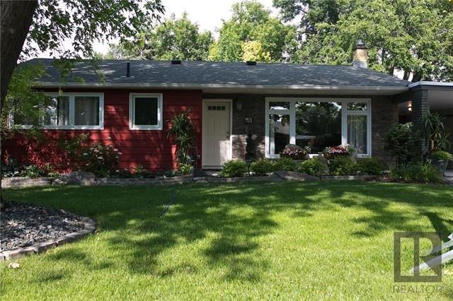 Main Photo: 43 Mohawk Bay in Winnipeg: Niakwa Park Residential for sale (2G)  : MLS®# 1820213