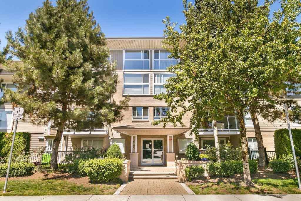 "Main Photo: 103 22255 122 Street in Maple Ridge: North Maple Ridge Condo for sale in ""Magnolia Gate"" : MLS®# R2299623"