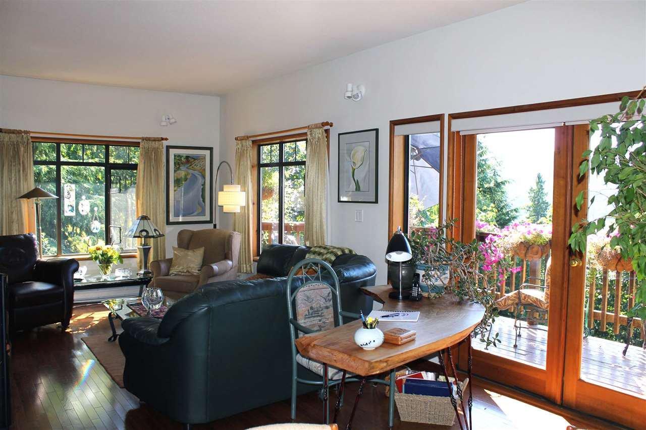 Photo 3: Photos: 5818 DEERHORN Drive in Sechelt: Sechelt District House for sale (Sunshine Coast)  : MLS®# R2311987