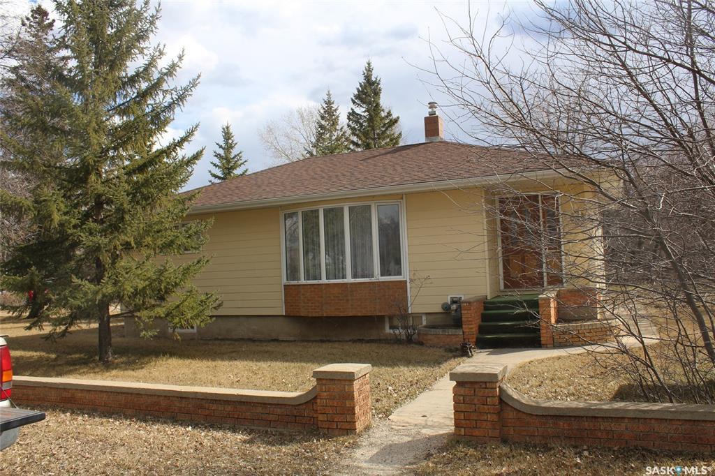 Main Photo: 102 Galloway Street in Lampman: Residential for sale : MLS®# SK766530