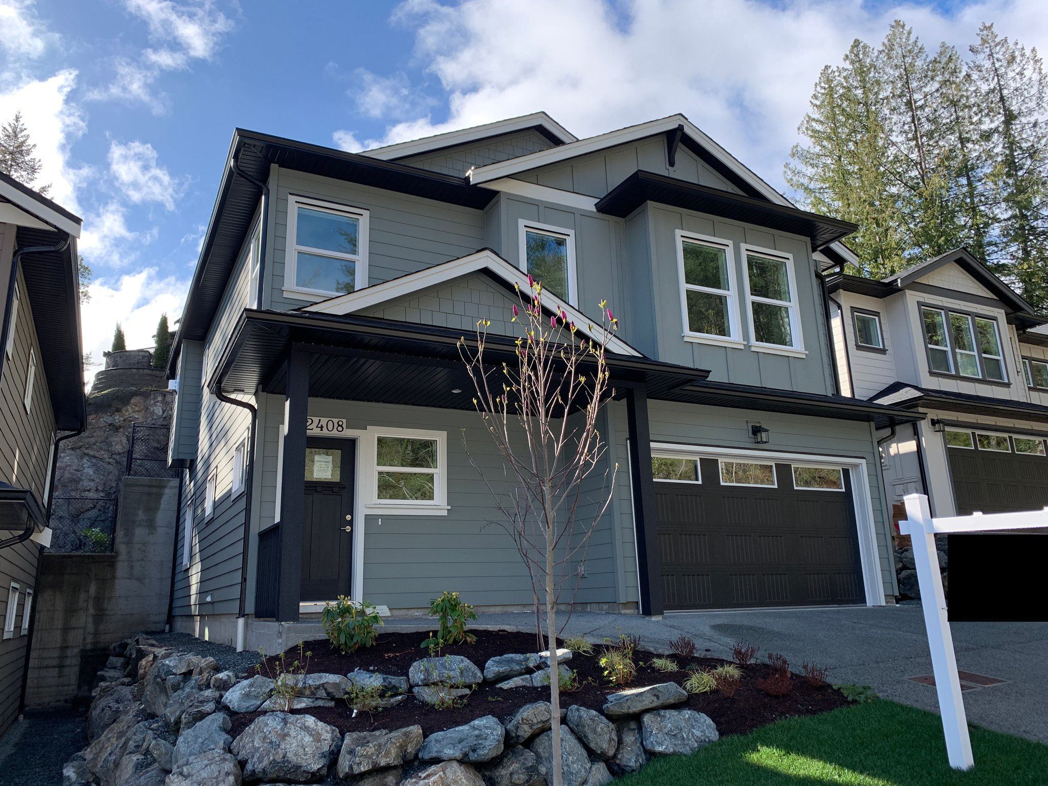 Main Photo: 2408 Chilco Road in : VR Six Mile Single Family Detached for sale (View Royal)  : MLS®# 408100
