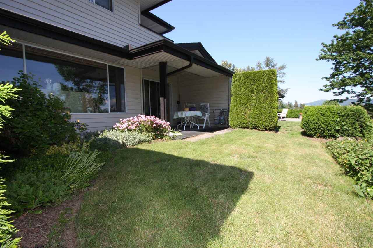 Main Photo: 5 32890 MILL LAKE Road in Abbotsford: Central Abbotsford Townhouse for sale : MLS®# R2373683