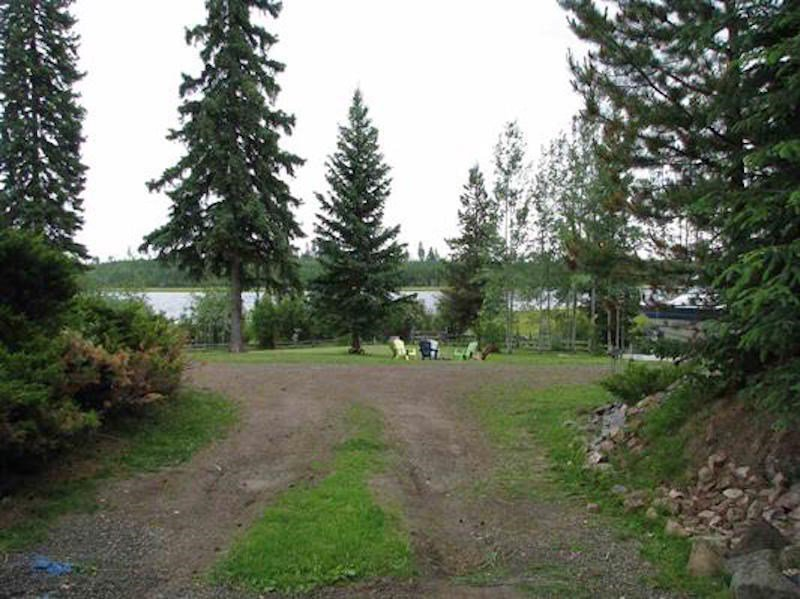 Photo 13: Photos: 4880 BELLS LAKE Road: Horsefly House for sale (Williams Lake (Zone 27))  : MLS®# R2377815