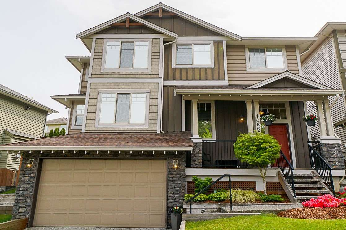 This large 2-storey home is perfect for families!