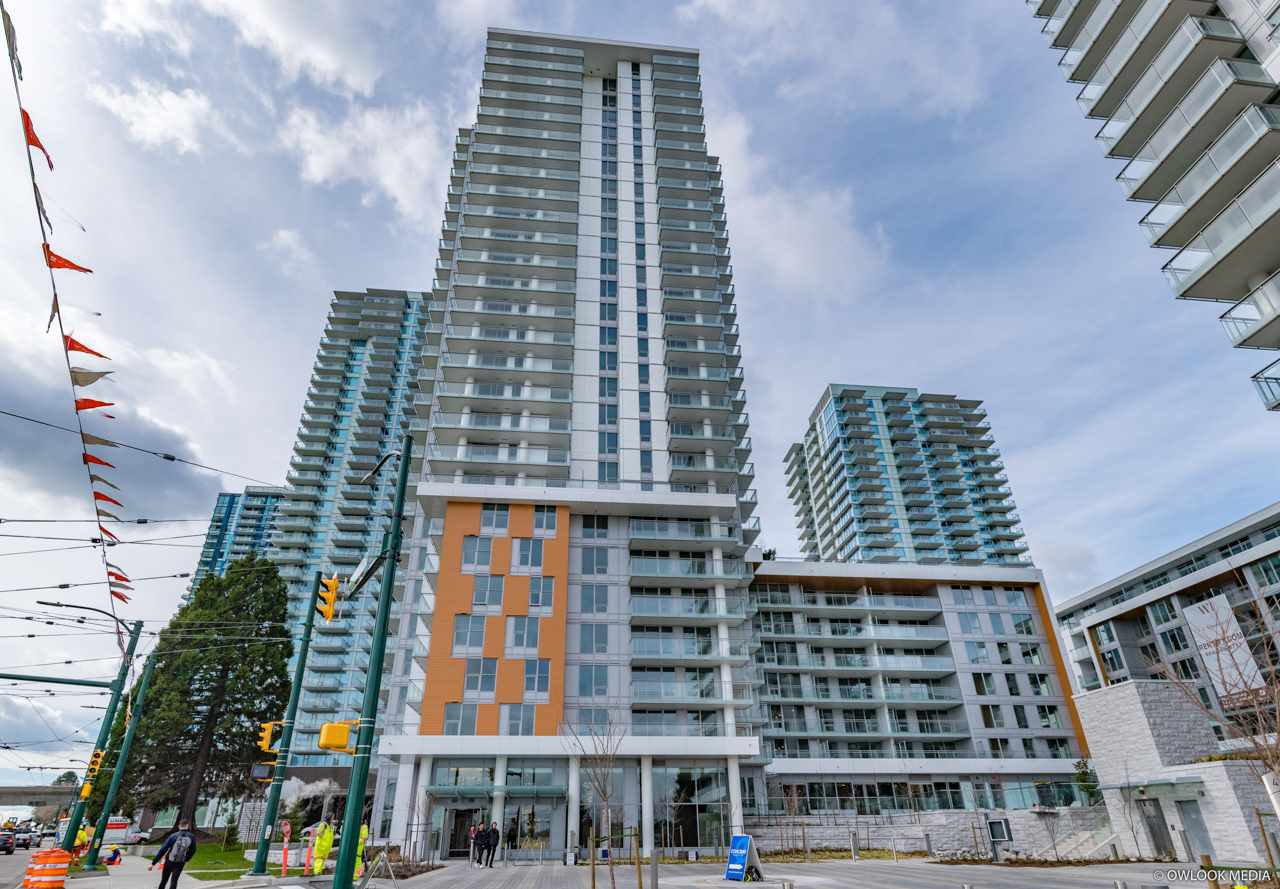 "Main Photo: 3202 455 SW MARINE Drive in Vancouver: Marpole Condo for sale in ""W1"" (Vancouver West)  : MLS®# R2455006"